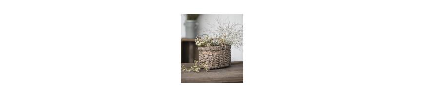 Wicker baskets, baskets, wooden molds